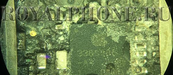 Воздействие жидкости под микроскопом